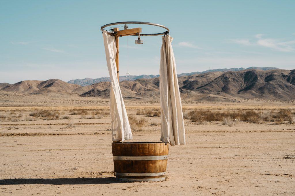 Baignade dans le desert - prendre soin de sa peau